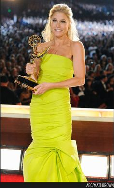 Julie Bowen, #Emmys - Outstanding Supporting Actress in a Comedy Series, Modern Family