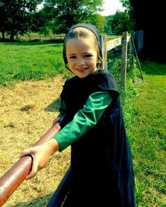 Amish girls are so cute!
