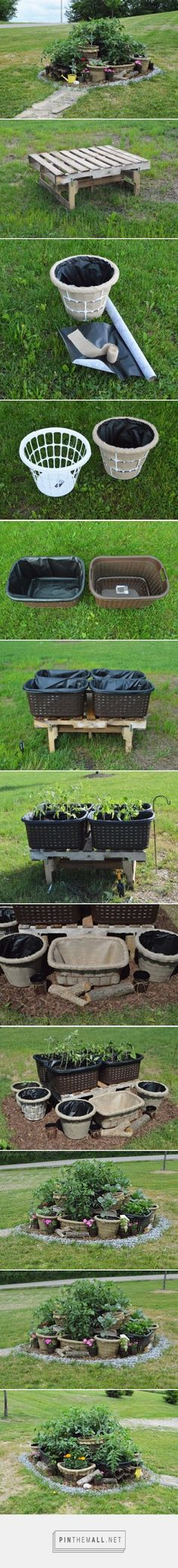 The Chic Burlap Boutique Blog: Laundry Basket Gardening - How to Turn Cheap Everyday Laundry Baskets into a Beautiful Multi-Level Potted Garden! thechicburlapbout... #DIY #Garden #SmallGarden #SpaceSaver #SquareFootGarden #Organic #Summer #GrowItYourself #Crafty #LaundryBasket #BasketGarden #Planters #PottedPlants