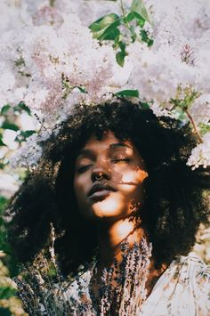 Drawing Inspiration Processed with VSCO with preset Photographie Portrait Inspiration, Foto Portrait, Black Girl Aesthetic, Brown Skin Girls, Black Is Beautiful, Black Girl Magic, Pretty People, Character Inspiration, Portrait Photography