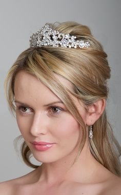 a simple bridal hair style for medium to long length hair