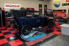 How To Detail Museum Cars, Classics & Antiques - Autogeek.net - Auto Geek Online Auto Detailing Forum - #HowTo #MuseumCarDetailing #Classics #Antiques #MikePhillips #ShowCarGarage #ExteriorDetailing #AutoDetailing #Autogeek