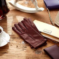 Italian Leather Gloves for Women. Luxurious Italian Cashmere-lined leather gloves, handmade in Italy. Luxury Leather Gloves. Women's Italian Luxury Gloves.