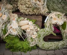 Grapevine Wreath, Burlap Wreath, Sympathy Flowers, Fall Crafts, Grape Vines, Christmas Wreaths, Holiday Decor, November, Gardening