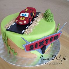 Blixten McQueen cake to Sixten that turned 1..
