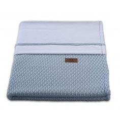 Mooie baby blauwe wiegdeken korrel stoer van het merk Baby's Only. Deze grof gebreide deken is een prachtige toevoeging in elke babykamer. Ook mooi te combineren met andere producten uit deze collectie.