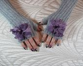 gray texting gloves!  $28.00, flaunt this. on Etsy! Texting Gloves, Gray Color, Trending Outfits, Grey, Unique Jewelry, Handmade Gifts, Vintage, Fashion, Gray