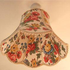 "Mavis 16"" Scallop Bell Lampshade"