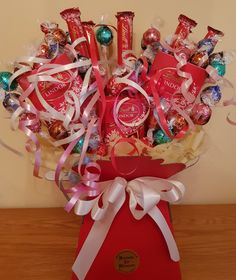 Chocolate Baskets, Lindt Chocolate, Candy Bouquet Diy, Gift Bouquet, Chocolate Bouquet Diy, Sweet Hampers, Blooms Florist, Sweet Trees, Flower Room