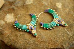 Large blue and purple beaded micro macarme hoop por yasminsjewelry