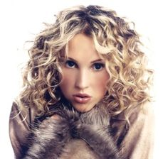 There was a time when permed hair was all the rage. Maybe today the spiral perm hairstyles are not as popular as they used to be but this doesn& make them Perms For Medium Hair, Medium Hair Styles, Medium Curls, Short Curls, Loose Curls, Curly Hair Cuts, Curly Hair Styles, Curly Bangs, Permed Hairstyles