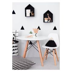 Photo Jobs At Home - Stickers noir blanc Mini chaises EAMES Petite table pour jouer / dessiner - If you want to enjoy the good life: making money in the comfort of your own home with just your camera and laptop, then this is for you! White Kids Room, White Rooms, Deco Kids, Kids Table And Chairs, Kids Room Design, White Decor, Black Decor, New Room, Kids Bedroom
