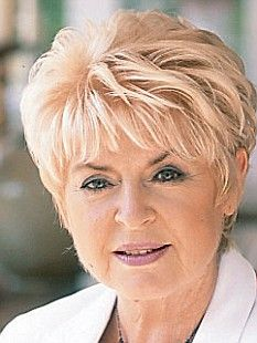 Mary Winifred Gloria Hunniford, known as * Gloria Hunniford * is a Northern Irish television and radio presenter, best known for her presenting roles with the BBC and ITV, most recently Rip Off Britain . Short Sassy Haircuts, Haircuts For Thin Fine Hair, Short Spiky Hairstyles, Short Choppy Hair, Short Grey Hair, Over 60 Hairstyles, Long Curly Hair, Short Hairstyles For Women, Haircuts For Over 60
