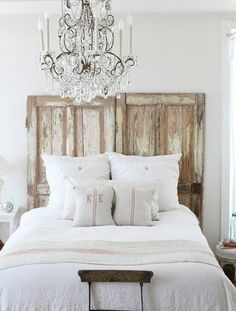 Use palette wood and use blue and red from Amanda's wardrobe to make headboard