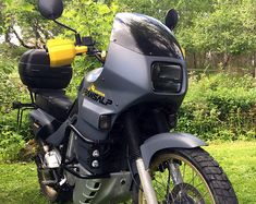 How I styled my Honda Transalp with Plasti Dip and LED lights Honda, Scooters, Led, Trail Motorcycle, Virago 535, Ktm Adventure, Cafe Racing, Touring Bike, Cool Bikes