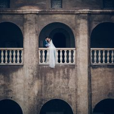 To all our photog friends shooting weddings this weekend: We hope you're killing it! ---  by @timotei_photography ---