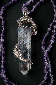 http://ambientarse.com/magento/silberdrache-umschliesst-bergkristall-amethystperlen-kette.html