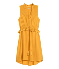 Sleeveless knee-length dress in airy, crinkled fabric. | H&M Modern Classics