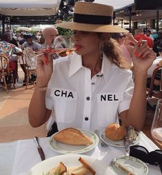 Boujee Lifestyle, Mommy Style, Mommy And Me, Style Icons, Celebrity Style, Celebrities, Swag, Chanel, Club
