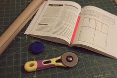 wykroj_spodnicy_olowkowej Under Construction, Diy, Templates, Bricolage, Do It Yourself, Homemade, Diys, Crafting