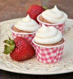 strawberry mini cupcakes