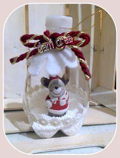 Pallina con riciclo bottiglia di plastica e renna http://ilfilodimais.blogspot.it/2013/11/riciclo-bottiglie-di-plastica-palline.html