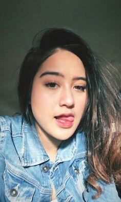 Girl Tongue, Indonesian Girls, Girl Celebrities, Tumblr Photography, I Love Girls, Aesthetic Vintage, Ulzzang Girl, Beauty Women, Asian Beauty