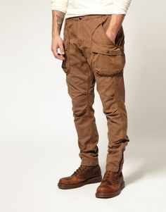Cargo pants done right // #menswear #cargopants #pants