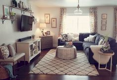 Best small apartment living room layout ideas 28 - Home Decorations Small Apartment Living, Small Living Rooms, Home Living Room, Living Room Designs, Small Living Room Layout, Living Room Corner Decor, Cozy Living, Decorating Small Living Room, Living Room Layouts