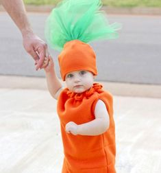 DIY Carrot costume - costume for kids (free sewing pattern) // Répa jelmez - farsangi jelmez gyerekeknek (ingyenes szabásminta) // Mindy - craft tutorial collection // #crafts #DIY #craftTutorial #tutorial