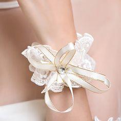 Lace And Rhinestone Fingerless Wrist Length Wedding/Party Glove - USD $ 10.99
