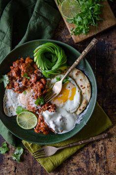 Huevos Rancheros (Rancher's Eggs) Recipe | Chew Town Food Blog