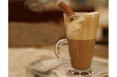 5 Best vegan hot chocolate recipes to see you through autumn and winter. Gf Recipes, Veggie Recipes, Great Recipes, Vegetarian Recipes, Recipe Ideas, Vegan Hot Chocolate, Hot Chocolate Recipes, Vegan Treats, Vegan Food