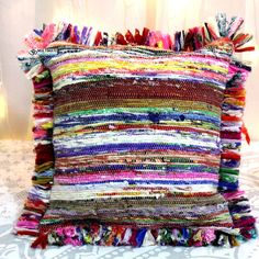 Multicolor Rug pillow cover Model 9 - Home Fashions Cushion Covers, Pillow Covers, Indian Pillows, Weaving Techniques, Crochet Home, Rug Hooking, Cover Model, Decorative Throw Pillows, Hand Weaving