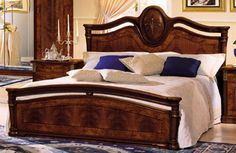 Klassica Italian Queen Lacquer Bed Made in Italy Bedroom Set VGCLKLASSICABEDProduct : 71161Description :Klassica collection in walnut mat finish with briar burl (radica) accents has been studied for important homes where the atmosphere of classical tradition will be evoked by the ornate details of every single piece.This bed is available in Queen Size Only.Dimensions :Queen size bed : Headboard 53