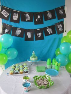 So cute- picture banners! Great for 1 year birthday to see how they've changed! Loves it!