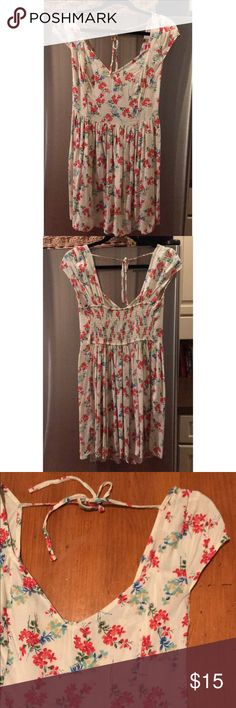 Floral boho Hollister Dress Great condition, worn literally once. Hollister Dresses