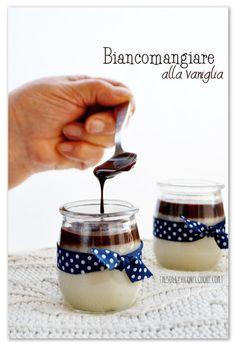 Il biancomangiare alla vaniglia e la perfetta padrona di casa Blancmange, Sicilian Recipes, Panna Cotta, Food Porn, Ethnic Recipes, Sweet, Desserts, More, Tinkerbell