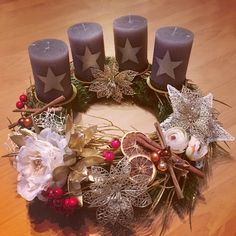 Advent wreath - gold, flowers