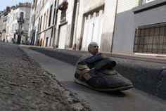 by Isaac cordal