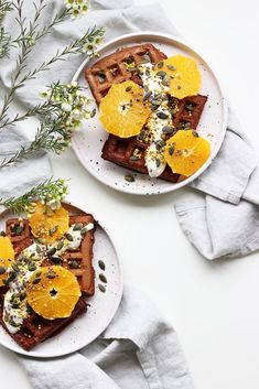 Make these easy vegan wholegrain chocolate waffles in 30 minutes! Minimalistic foodstyling, light and bright food photography