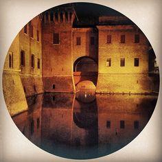 Ferrara, Castello Estense - Instagram by @gatta_mirta