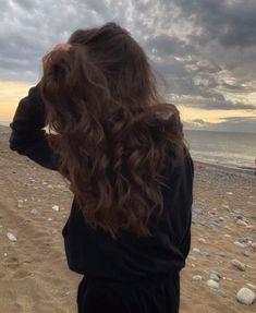 Blonde Hair Honey Caramel, Honey Hair, Aesthetic Hair, Bad Girl Aesthetic, Cool Girl Pictures, Girl Photos, Mode Poster, Horse Girl Photography, Girly Images