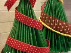 How to Make a Magazine Christmas Tree {Christmas DIY Decor}