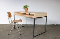 VH Industrial Desk