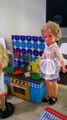 Corinne italocremona Vintage Dolls, Velvet, Retro, Toys, Friends, Ideas, Home Decor, Old Dolls, Activity Toys