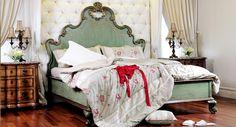 Classic Bedroom decor, gorgeous bed-  Iwan Sastrawiguna Interiors
