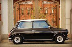 週末の金曜日 #classicmini #ROVER #rovermini #mini #minicooper #cooper #mk2 #oldmini #oldcar #ミニ #ミニクーパー...