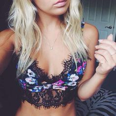Omg I need this top!