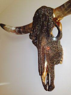 swarovski crystal longhorn - need to do something w/my skull Deer Skull Art, Cow Skull Decor, Deer Skulls, Painted Animal Skulls, Taxidermy Decor, Crane, Antler Art, Skull Painting, Bull Skulls